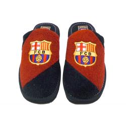 Zapatillas de rizo de estar por casa del F.C.Barcelona.