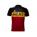 Camiseta Winter Hoops Miami Heat.