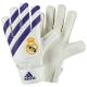 Gants de football Real Madrid 2016-17.
