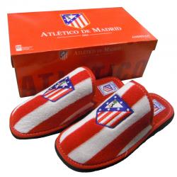 Zapatillas de rizo de estar por casa del Atlético de Madrid.