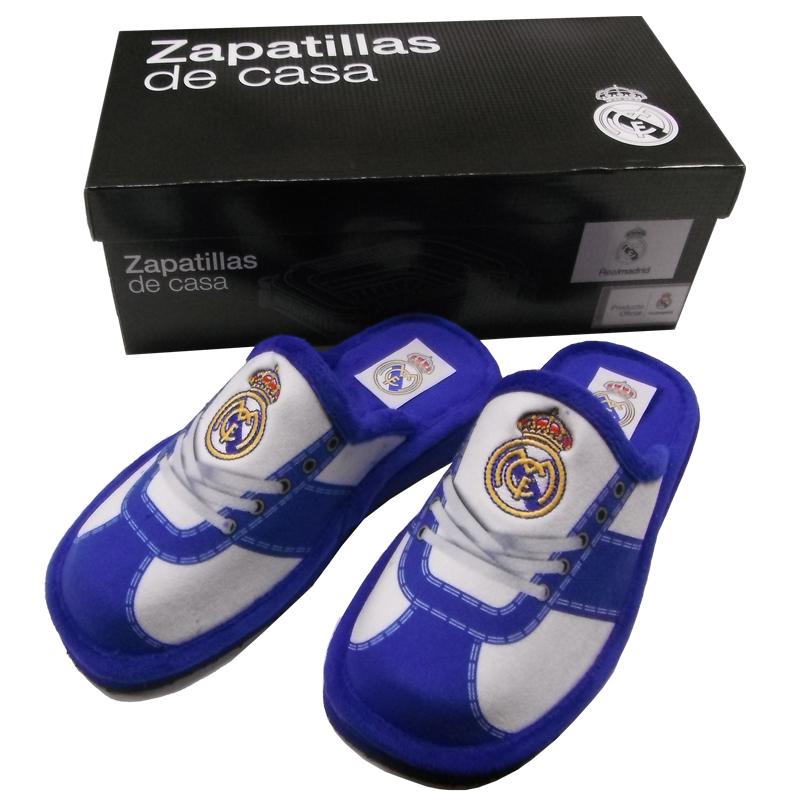 Zapatillas de estar por casa del Real Madrid. 7f304db6bc769
