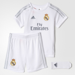 Conjunto de bebé Real Madrid 2015-16.