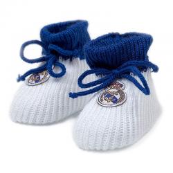 Patucos para bebé del Real Madrid.