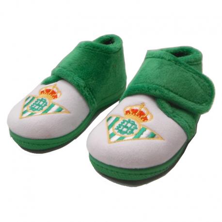 Zapatillas de estar por casa para niño del Real Betis.