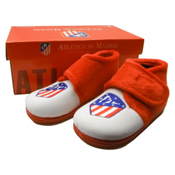 Atlético de Madrid Kids Slippers at home.